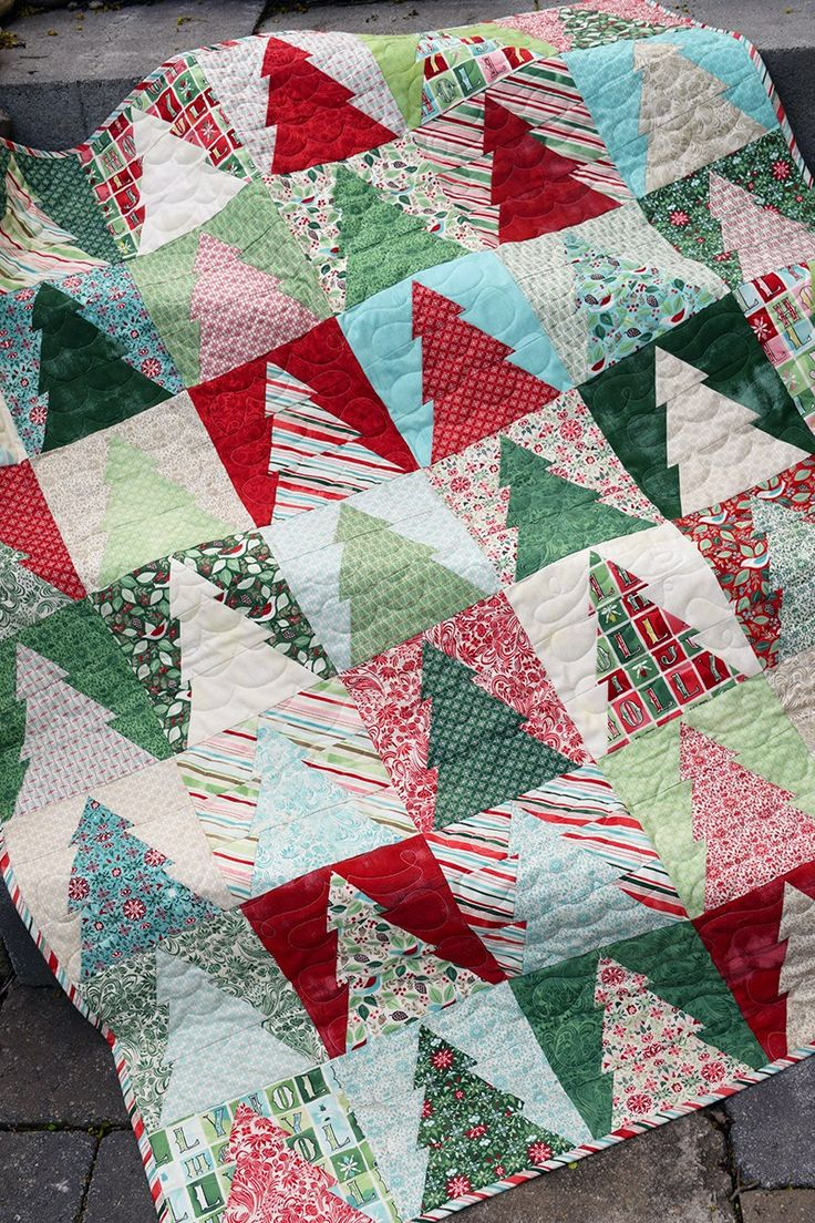 Free Quilt Patterns Christmas Tree : Best 25+ Christmas quilt patterns ideas only on Pinterest Quilted table runners christmas ...