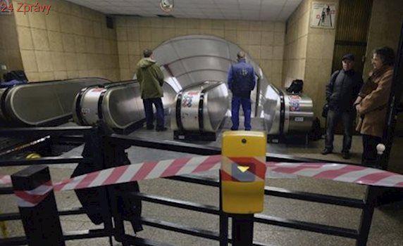 Stanici metra »Staroměstská« uzavřeli: Vlaky tudy pouze projížděly