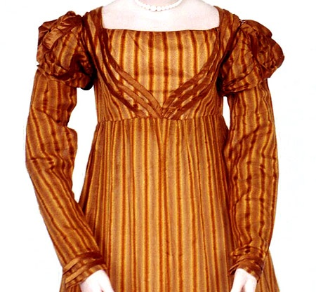 1821 extant gown- trim on bodice. Want this!