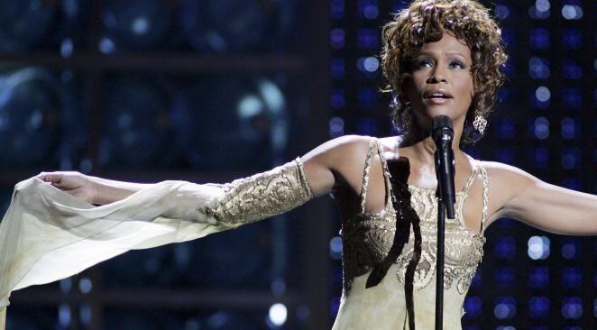 Un enquêteur privé affirme, près d'un an après la mort de Whitney Houston, que celle-ci a été assassinée.