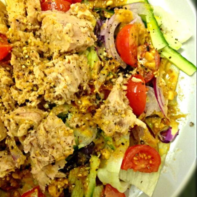 レシピとお料理がひらめくSnapDish - 8件のもぐもぐ - 和風ツナサラダピーナッツドレッシングかけ by ずきみく