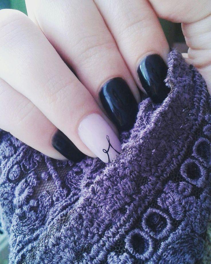 #nailart #nailartist #nail #dillocskanails #loveyournails #black #blacknails #crystalnails #nudenails