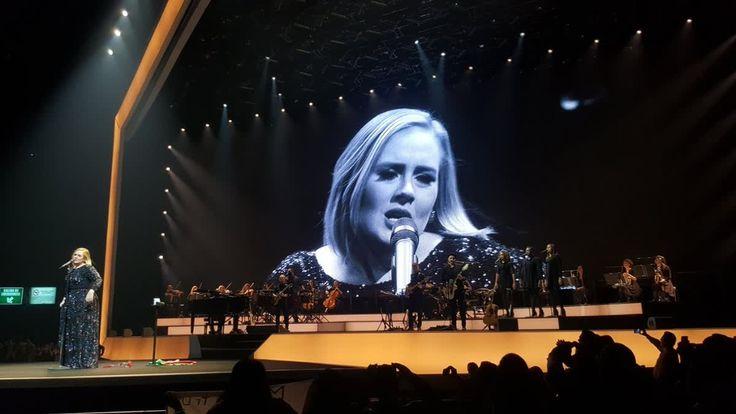 #AdeleCDMX se ocupa para compartir fotos de los conciertos ofrecidos por la cantante Adele. http://mexico.srtrendingtopic.com/trend/86852/2016-11-15/2016-11-15/adelecdmx.html