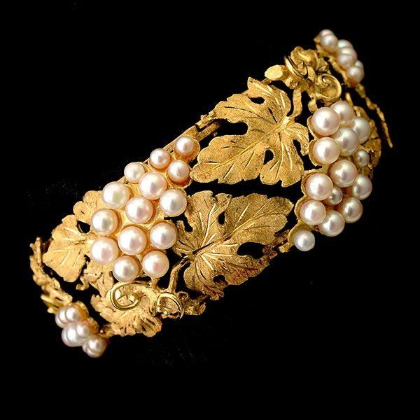 CULTURED PEARL, 18K YELLOW GOLD BRACELET. : Lot 1368