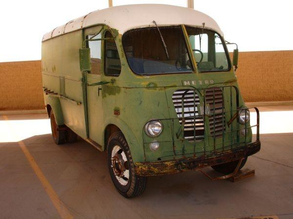 1961 International Harvester Metro Van We Really Need A Metro Vintage Trucks Vintage Vans Big Trucks