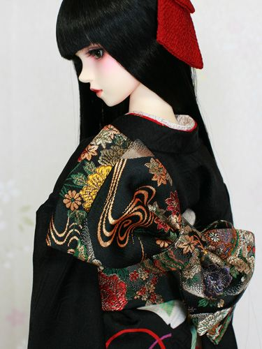 Ayaka in black. A ball jointed doll dressed in a furisode kimono
