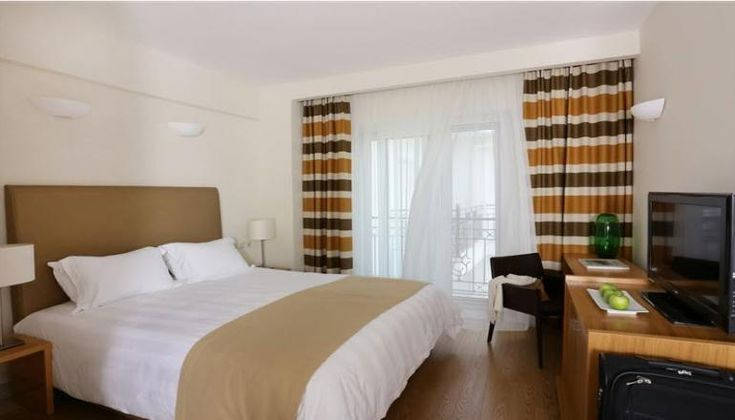 Chloe Hotel στην Υπέροχη Καστοριά!