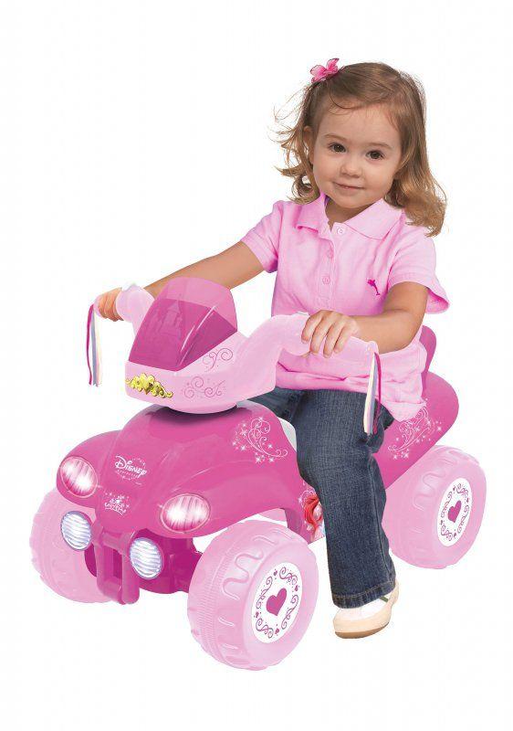 KIDDIELAND QUAD PRINCESS 47662 Jeździk Księżniczki to idealna zabawka dla wszystkich dziewczynek, które uwielbiają bajki Disneya z pięknymi księżniczkami w roli głównej.  Wygodne siedzisko oraz duże koła zapewnią bezpieczeństwo Twojemu maluszkowi. Zabawka sprawdzi się zarówno jako jeździk czy chodzik.