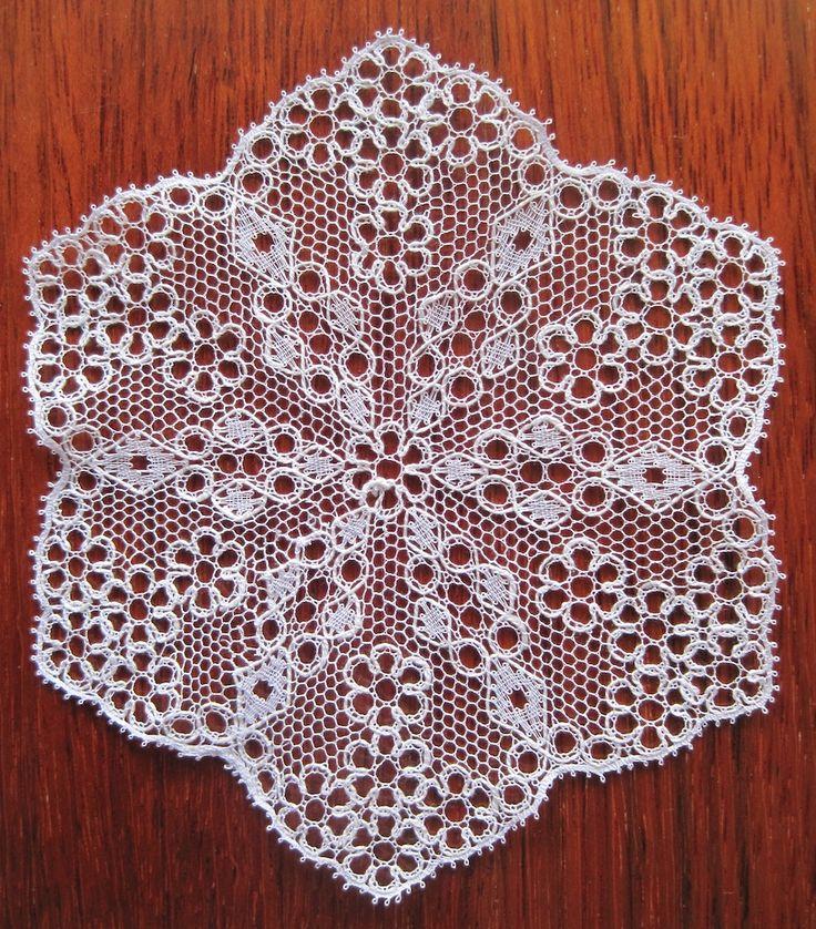 Bucks Point bobbin lace hexagon, 2011.