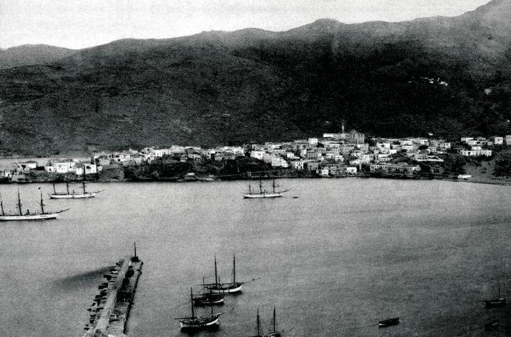 Φωτογραφία της Άνδρου στις αρχές του 20ού αιώνα. / The island of Andros, early 20th century.