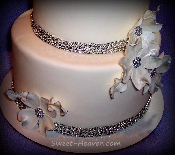 Cake Decorating: 1st Wedding Cake Design
