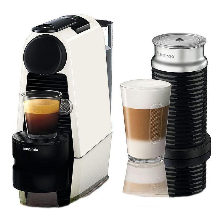Nespresso Magimix Essenza mini Wit  Aeroccino  Nespresso Magimix mini Wit met Aeroccino De Nespresso Magimix Essenza mini Wit met Aeroccino is een espressomachine die dankzij zijn kleine formaat perfect past op elk aanrecht hoe groot je keuken ook is. Dat de Nespresso Magimix Mini zo compact van formaat is doet niets af aan de kwaliteit van jouw espresso. Met de innovatieve Aeroccino schuim je binnen een mum van tijd melk op voor een heerlijkecappuccino of latte macchiato. Je kunt de…