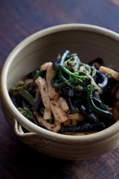 蕨(わらび)と油揚げの炒め煮 by ゆりりさん | レシピブログ - 料理 ...