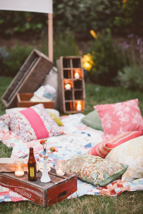 Backyard movie night | event planning by Bash, Please | photo by Brandon Kidd | 100 Layer Cake