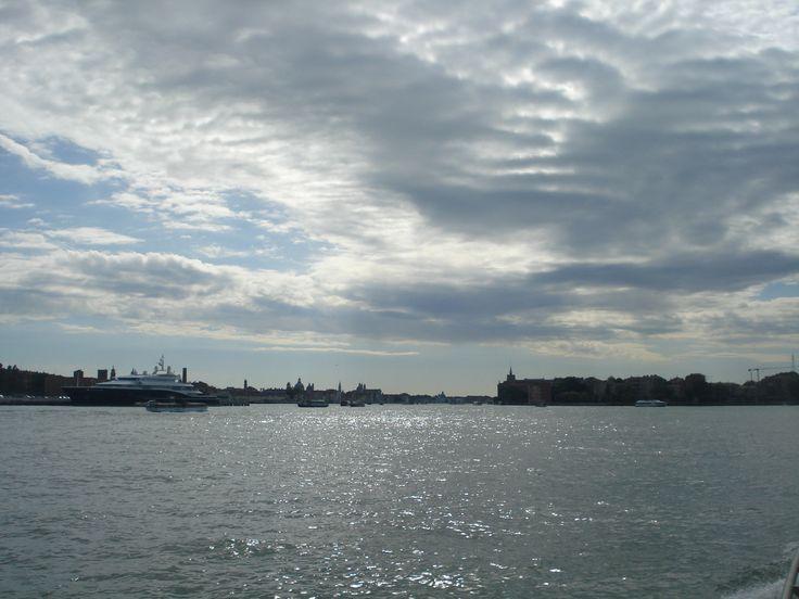 Nubes desde Mestre, rumbo a Venecia (Italia) Mayo 31, 2014