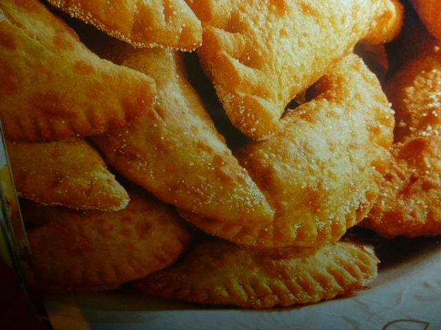 biscotti fritti - con scarola e provola