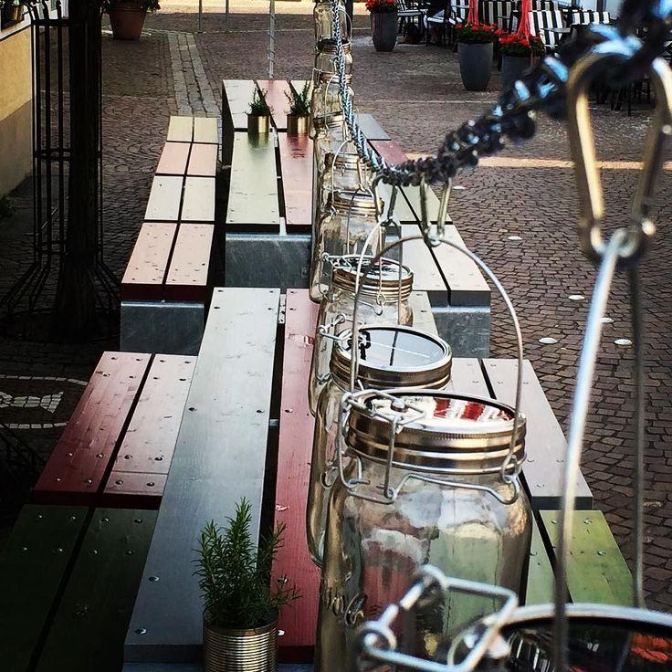Für die kommenden Sommerabende:  Das Sonnenglas -> Fair-Trade Produkt aus Südafrika -> Spart Energie -> Schont die Umwelt -> Macht Spaß -> Regendicht -> Vollwertige Lichtquelle für Menschen in Gebieten ohne Stromversorgung ->Das Sonnenglas hat bisher über 55 Vollzeit-Arbeitsplätze für zuvor arbeitslose Männer und Frauen aus Alexandra und Soweto geschaffen  Mehr Infos unter www.sonnenglas.net  #sonnenglas #menschbleiben