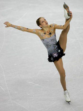 Carolina Kostner - Vera Wang on Ice - Pictures - CBS News