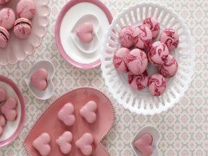 Macarons redondos y en forma de corazón