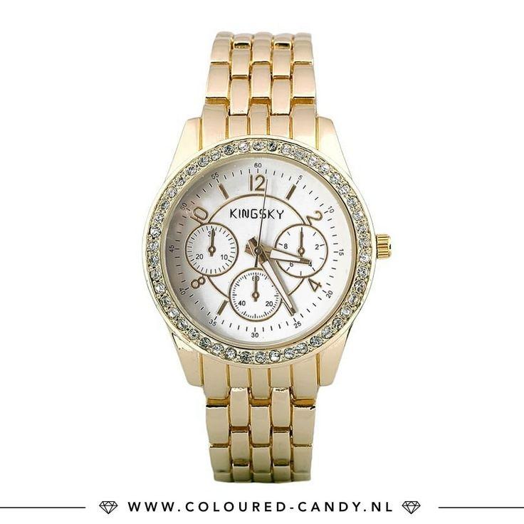 Timeless! ➳ https://www.coloured-candy.nl/kingsky-gouden-horloge/  Combineer je gouden horloge met leuke coin armbandjes uit de handgemaakte collectie! ♡♡ #colouredcandy #sieraden #jewelry #sale #summer #jewellery #gold #watch #kingsky #strass #timeless #shop #fashion #mode #style #love #beauty #jewelrygram #fashionista #cute #girls #woman #trendy #beautiful #instagood #fashiongram #shopping #musthaves #bijoux #accessories