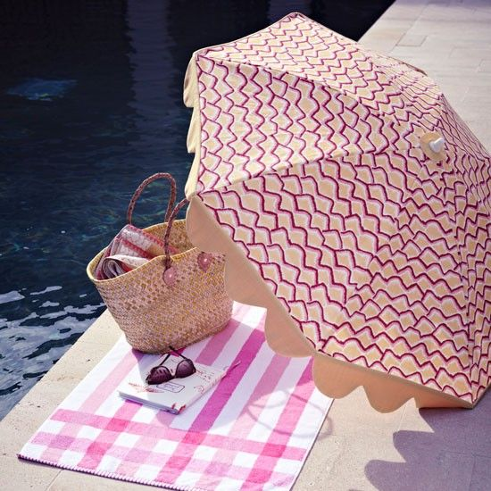 Pink loveliness by the swimming pool | Cote d'Azur style | PHOTO GALLERY | Homes & Gardens | Housetohome.co.uk