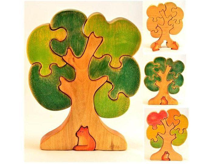Ce joli pommier en bois est fabriqué à partir de bouleau. Il a facile à tenir sur des pièces pour les tout-petits et les jeunes enfants. Deux options - fleur de pommier (printemps) ou fruitiers pommier de temps (fin d'été-début de l'automne) et comme un bonus - hiver arbre de temps (si vous enlevez le feuillage :))  Prix par figurine un arbre!!! D'autres figurines en bois sur la photo de paysage, vous pouvez voir dans mes annonces distincts…