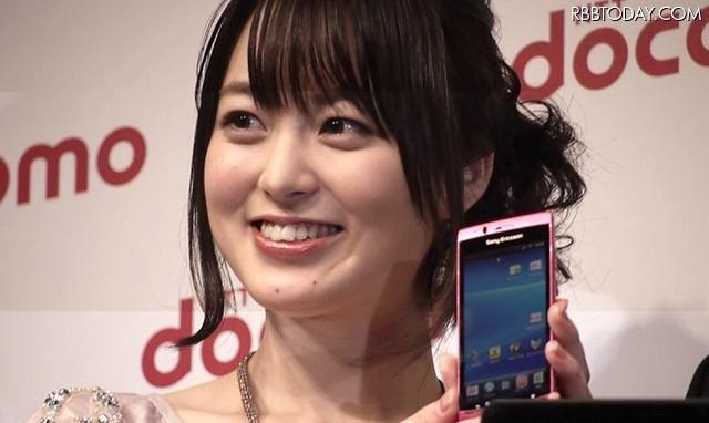 「家族みたいな感じでした」……ドコモCM出演の朝倉あきと石野真子