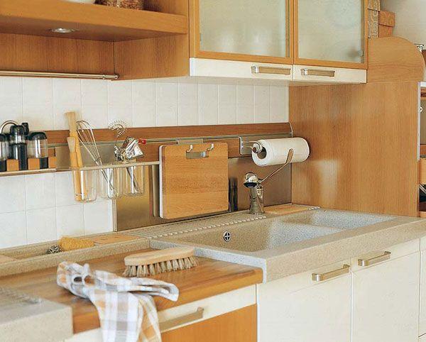 Рейлинги на маленькой кухне: все необходимое и ничего лишнего