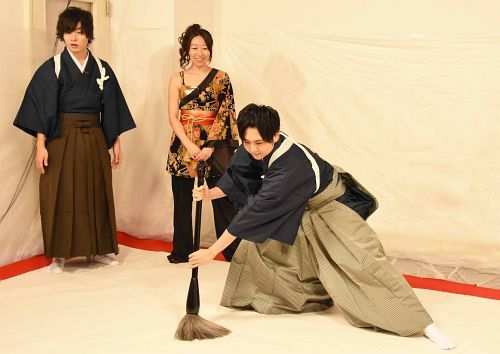 Voice Actor Yūki Kaji Runs Wild in Monthly Variety Program