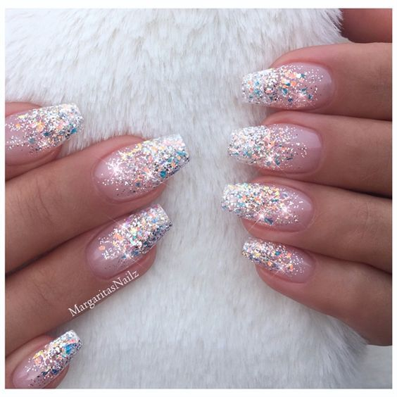 Christmas Nails With Glitter: 65+ Amazing Glitter Acrylic Nail Art Designs For Holiday