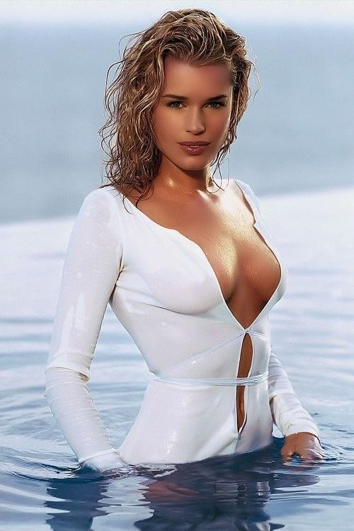 bikini Rebecca herbst