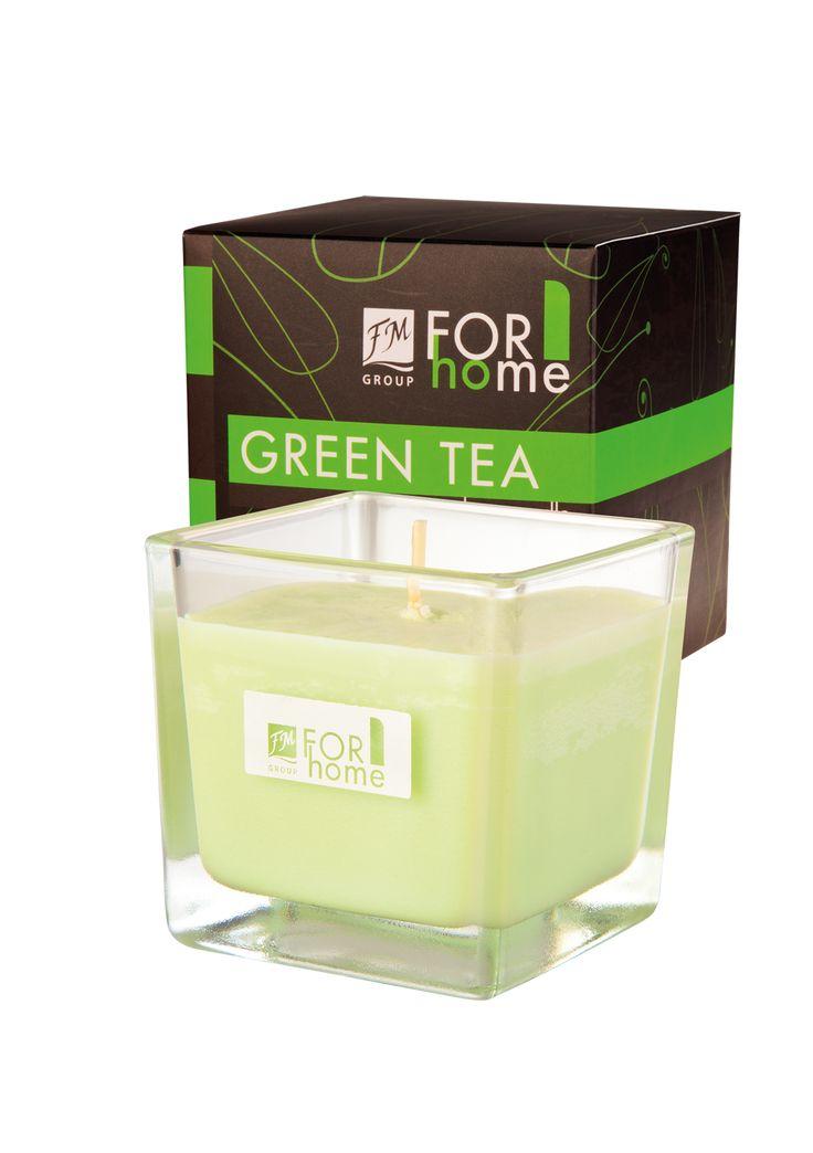 Candele alla soia profumate Quattro incantevoli profumi da scegliere. Fatte a mano. Immersa in un elegante vetro, di forma quadrata, con lo stoppino in cotone. 100% di cera di soia naturale. Tempo di combustione: circa 30 ore.  Codice: A019 Green Tea Delicata nota di tè verde ed agrumi che riempie gli ambienti di energia positiva. #FMGroup #FMGroupItalia #ForHome #FM