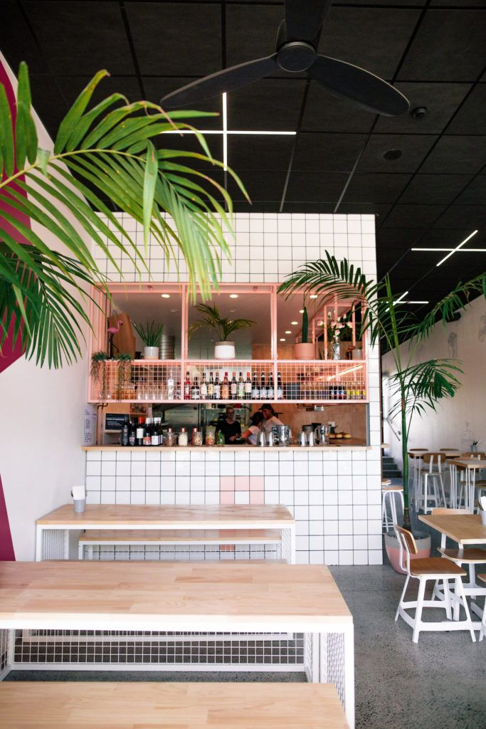 Palace Burger: Where Miami vibes meets burgers and beers