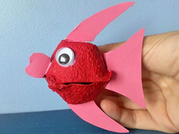 recycled egg carton kids craft reuse fish red eye, primary school, elementary school, knutselen, kinderen, basisschool, recycle, eierkarton, eierdoos, vis