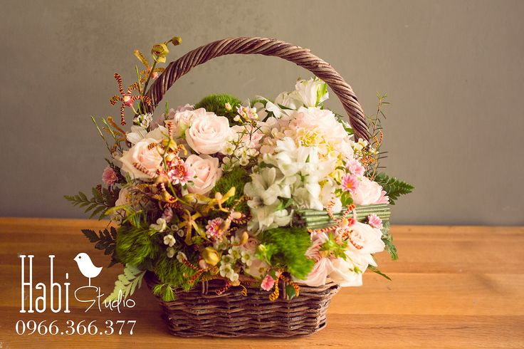 Habi flower, Habi studio, flower arrangement, birthday flower, Habi design, flower box, flower basket, vintage flower box
