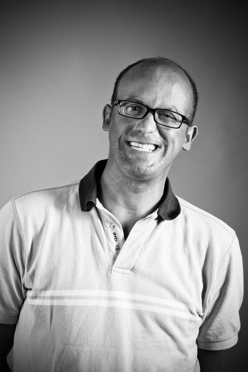 """""""Depois de conhecer o Dr Hugo Madeira percebi o que é espelhar a confiança com um sorriso""""  Fotografado por Bruno Joia Cardoso"""