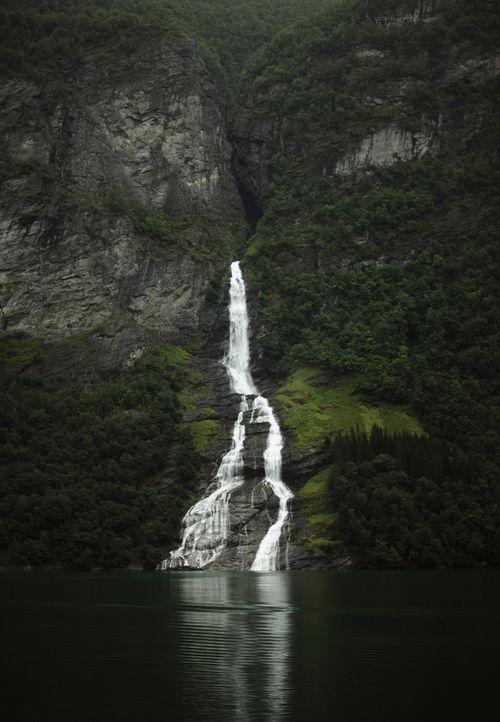 Favorite Places, Beautiful Waterfall, Beautiful Places, Michelle Arcila, Falling Waters, Michele Arcila, Nature Beautiful, Swimming Hole, Fall Water