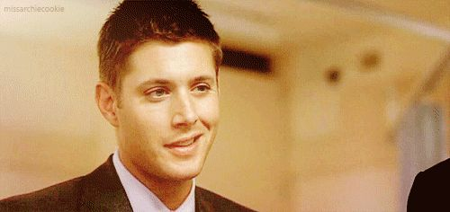 So hawt it's almost Supernatural.. Jensen Ackles.. #MCM #LadyBoners #Gif #Wink #Sexy #DeanWinchester