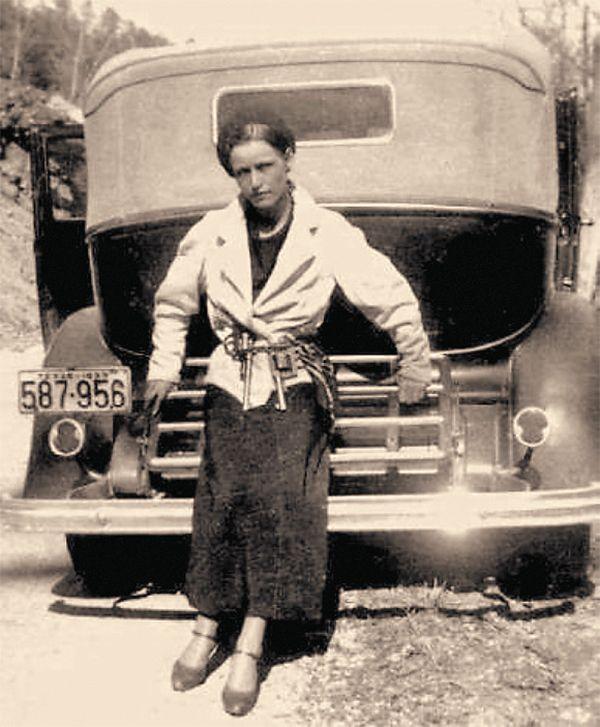 The Forgotten Hero True West Magazine Bonnie Parker Bonnie And Clyde Photos Bonnie Clyde
