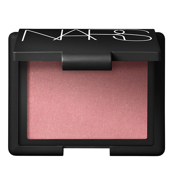 5 Makeup Products That Flatter Everyone