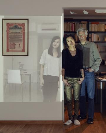 Familien, die weit voneinander entfernt leben auf einem gemeinsamen Familienfoto