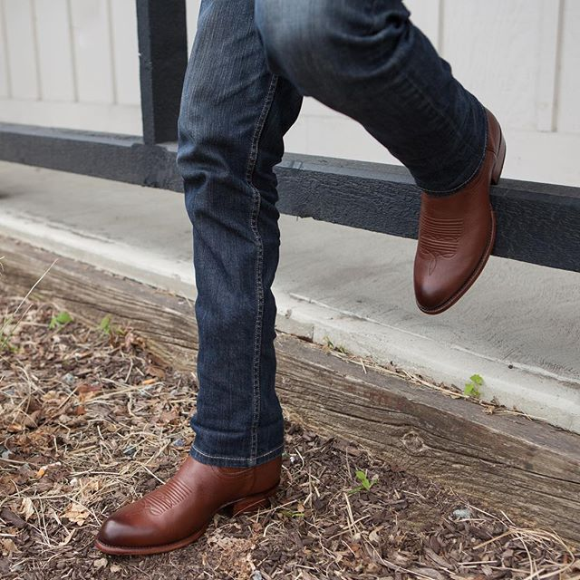 Mens cowboy boots outfit