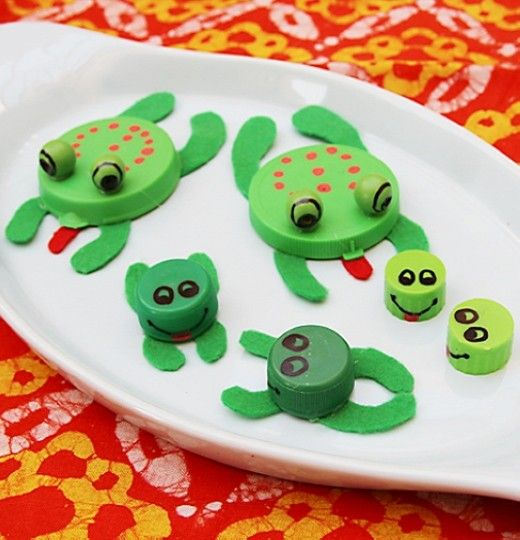 Passover Recycled Bottle Cap and Plastic Lid Frogs, DIY Passover Crafts for Kids, Holiday Craft Decorating Ideas #2014 #passover #crafts #kids www.loveitsomuch.com