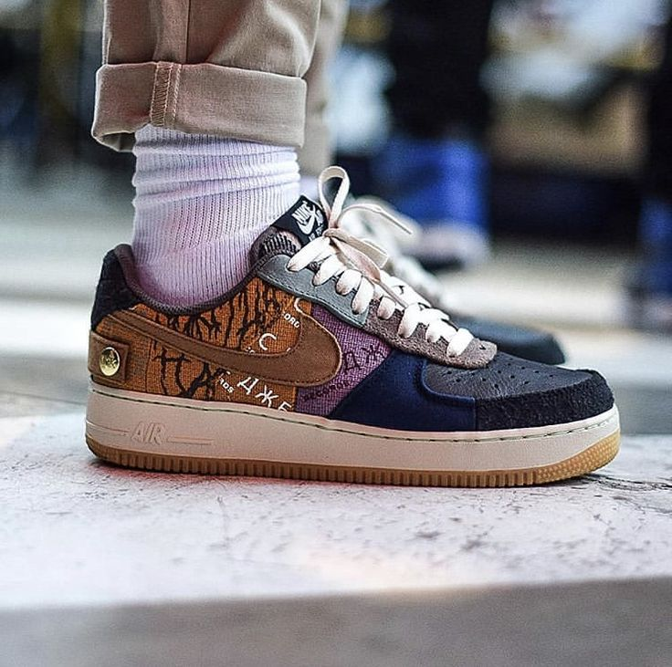 Travis Scott x Nike Air Force 1 | Sneakers, Nike air force, Nike air