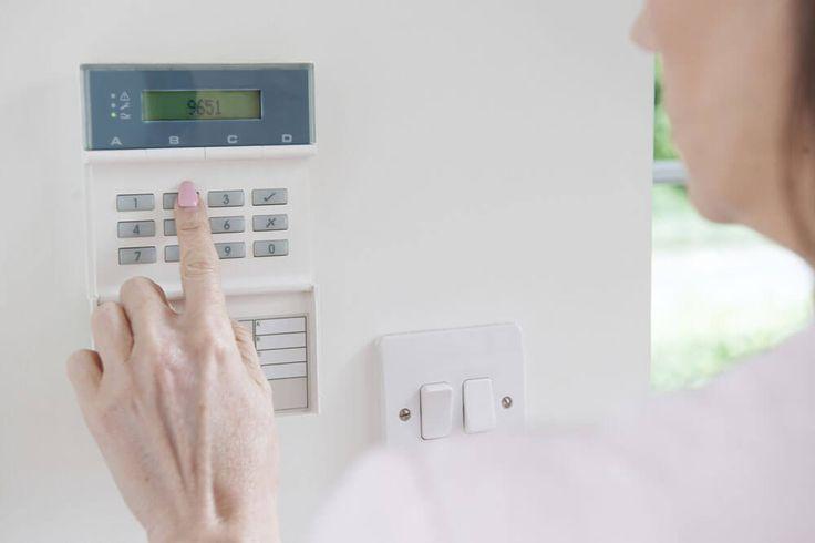 Comment installer un interphone ? : http://www.maisonentravaux.fr/electricite/petits-travaux-electriques/comment-installer-interphone/