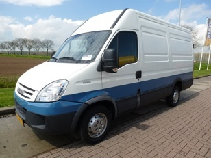 For sale: Used and second hand - Van IVECO Closed Van DAILY 35S12