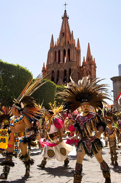 Dia de la Conquista, Danzante 5, San Miguel de Allende, Mexico | This is my mother's hometown!! Such a beautiful place
