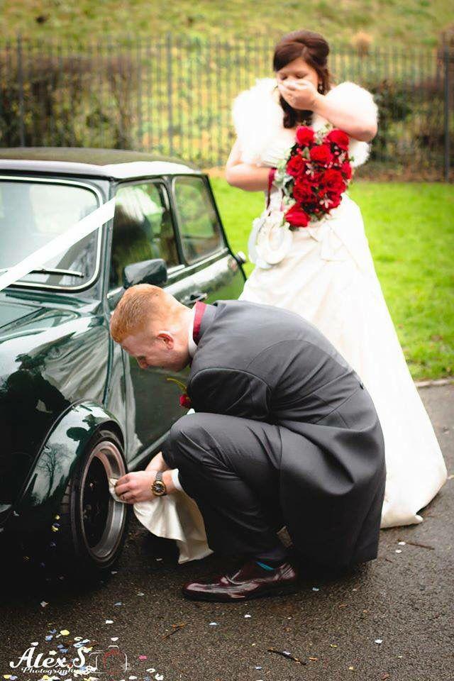 Wedding with a Classic Mini
