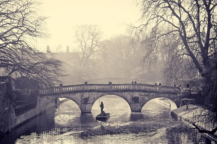 Cambridge: punting in winter, chilly but totally worth it!