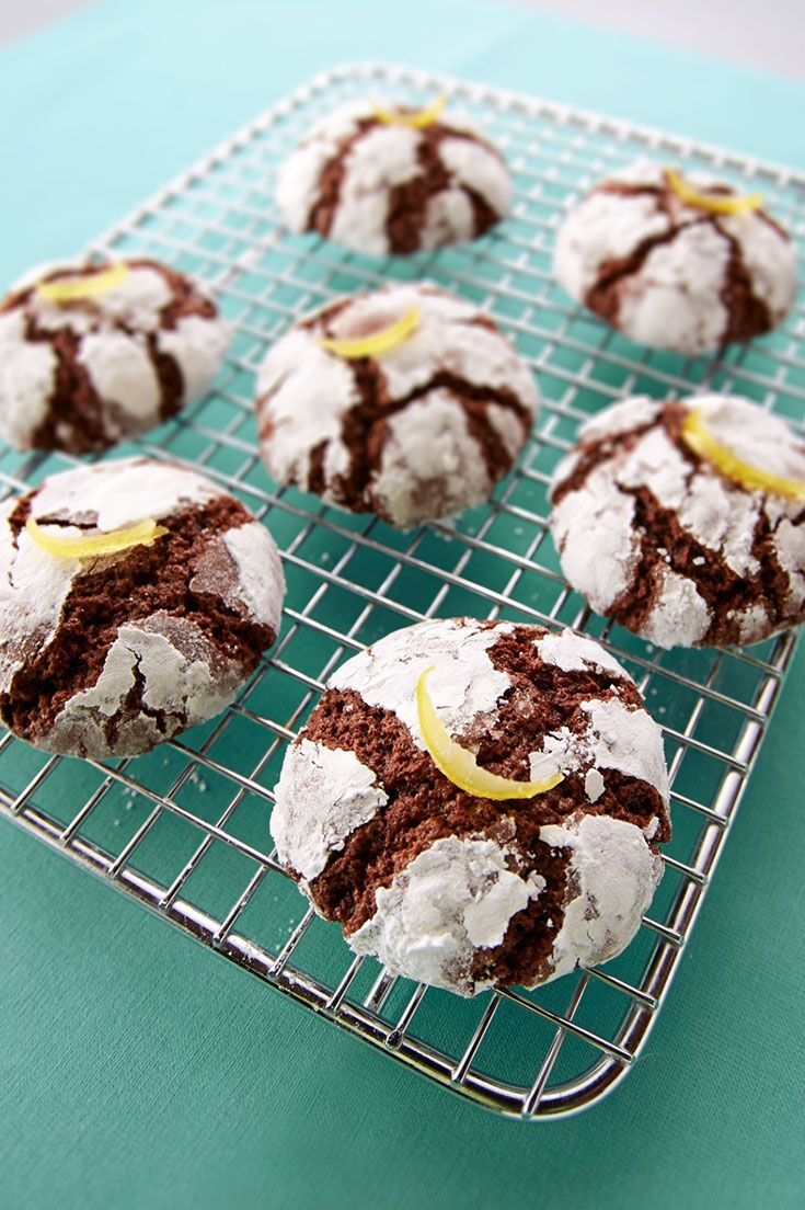 Tart lemon and deep, dark chocolate combine for a bold flavor that's perfect for the holidays.